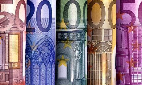 Bombardeer de Eurozone! Met bankbiljetten!